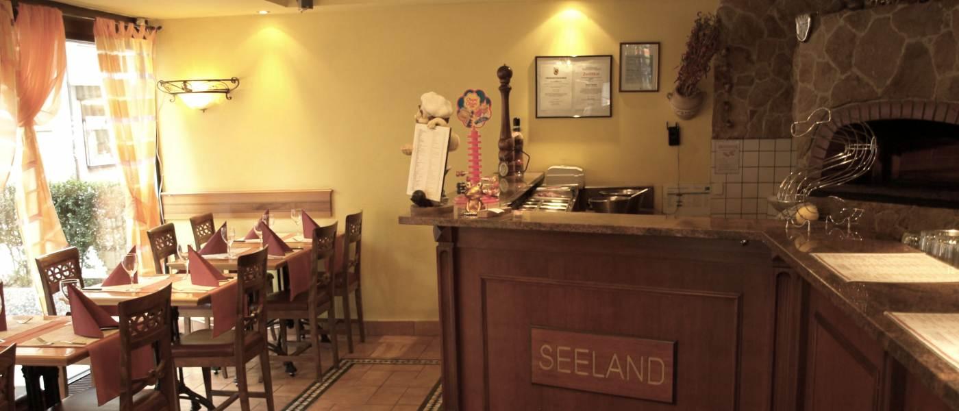 pizzeria seeland biel pizzeria am bahnhof italienisch k che. Black Bedroom Furniture Sets. Home Design Ideas